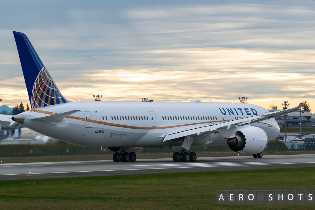 A new United 787 departs on her final test flight prior to delivery.