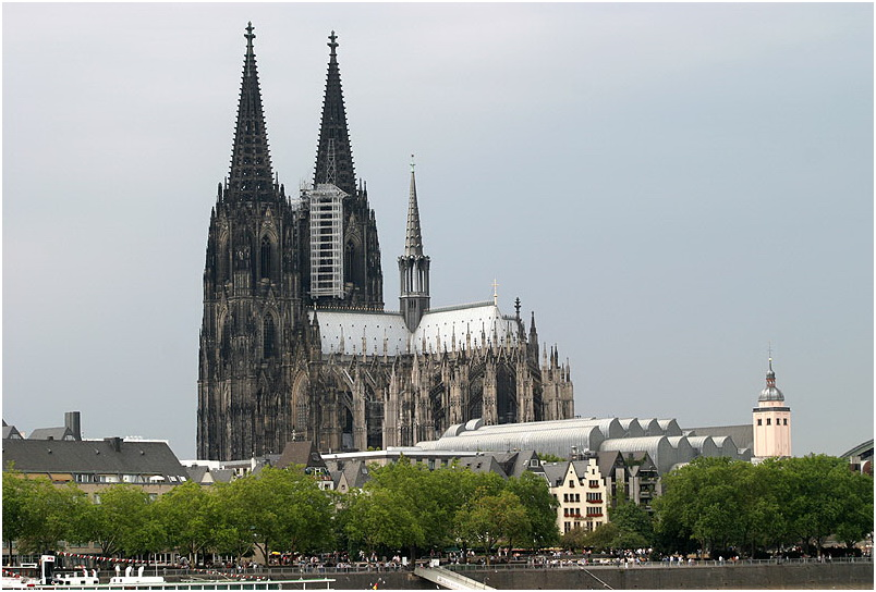 Friends and Family will gather at the Cologne Catherdal to honor the victims of Germanwings flight 9525