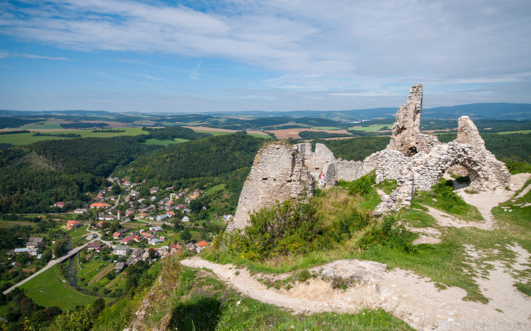 Slovakia's Čachticky Hrad:  Home Of Elizabeth Bathory – The Lady Vampire